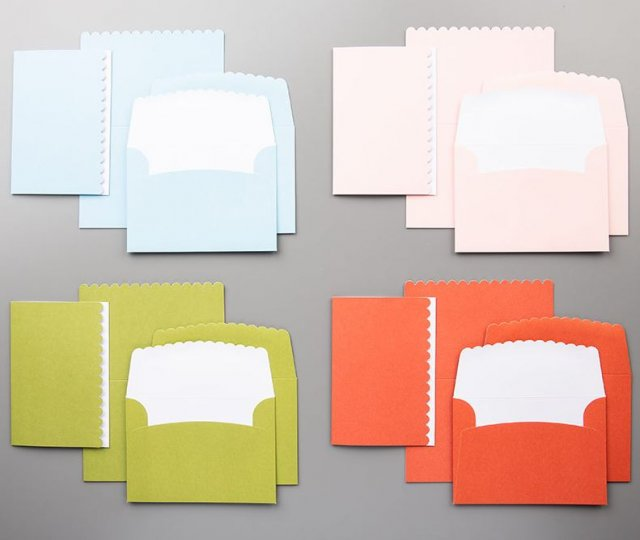 Showcase of variation of the Scalloped Note Cards with Frenchie' team. The Scalloped Note Cards come in four colors.